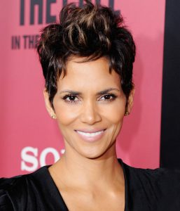 082917 timelss haircuts halle berry