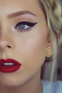 small fustany beauty makeup winged eyeliner 22
